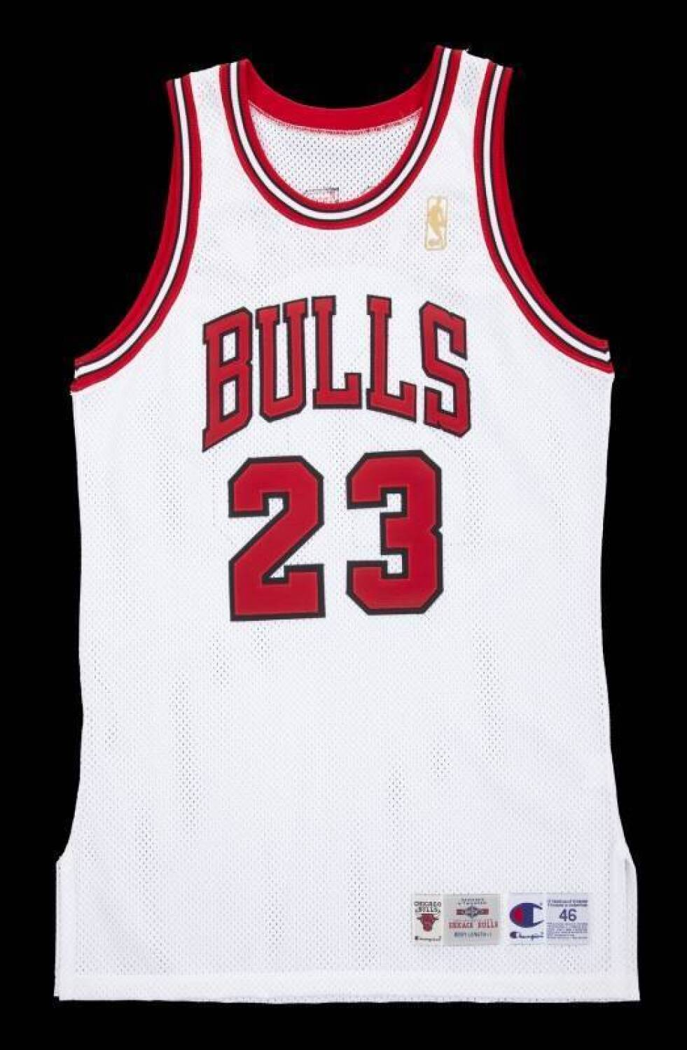 0611c2a5c265 MICHAEL JORDAN SIGNED 1996-97 CHICAGO BULLS JERSEY Please Wait... Click  image to enlarge
