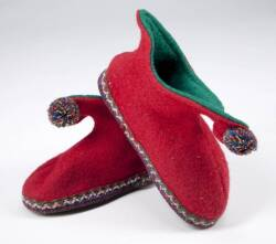 HOW THE GRINCH STOLE CHRISTMAS PAIR OF RED ELF SLIPPERS