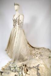 SARAH FERGUSON MADAME TUSSAUDS REPLICA WEDDING GOWN