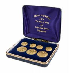 PRINCE OF WALES COMMEMORATIVE ROYAL CUFFLINK SET