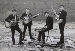 BEATLES VINTAGE PETER KAYE PHOTOGRAPH