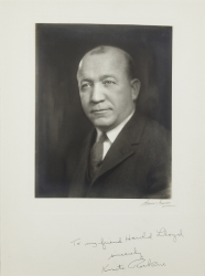 KNUTE ROCKNE PHOTOGRAPH SIGNED TO HAROLD LLOYD