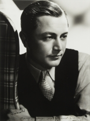 ROBERT YOUNG PHOTOGRAPH SIGNED TO HAROLD LLOYD