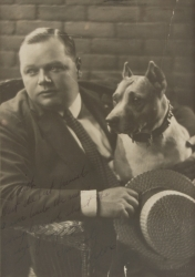 "ROSCOE ""FATTY"" ARBUCKLE INSCRIBED PHOTOGRAPH"