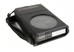 STEVE JOBS PORTABLE SONY CD PLAYER