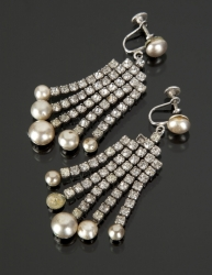 MARILYN MONROE HOW TO MARRY A MILLIONAIRE EARRINGS