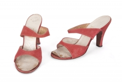 MARILYN MONROE RED I. MAGNIN HEELS