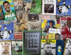 PELÉ ARCHIVE OF BOOKS AND PERIODICALS