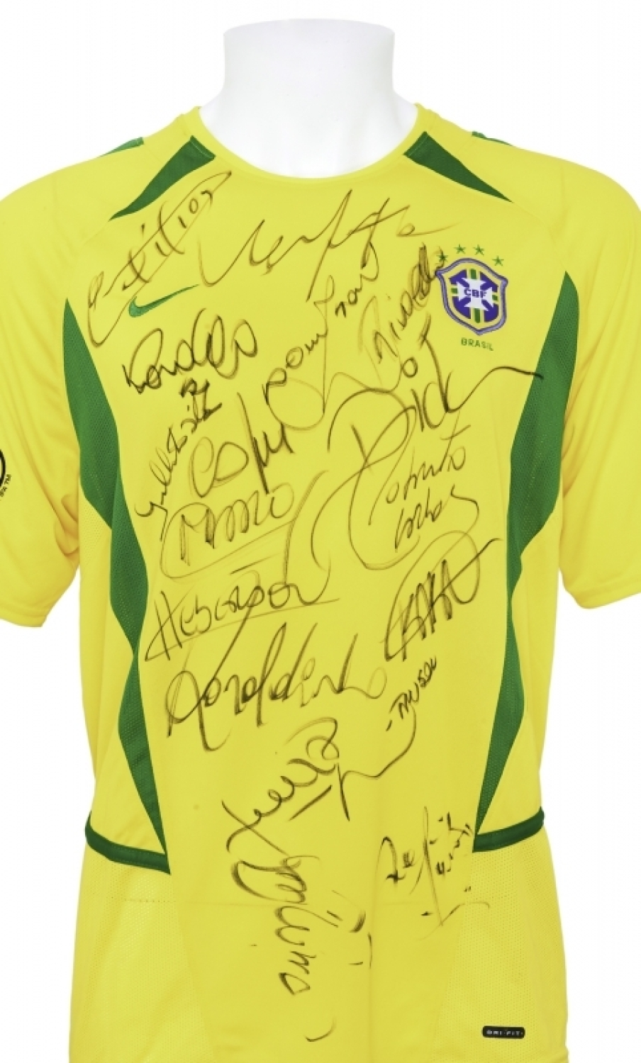 ac3a8e54618 BRAZIL 2002 WORLD CUP TEAM SIGNED JERSEY Please Wait... Click image to  enlarge