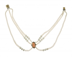 GAIL RUSSELL WORN NECKLACE
