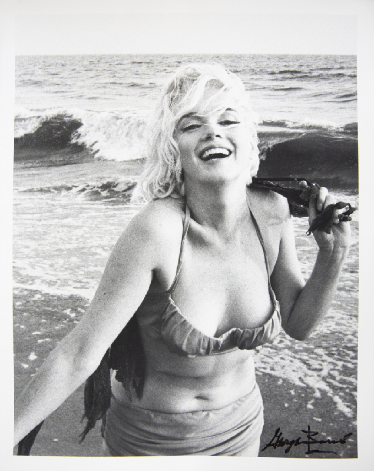 MARILYN MONROE BLACK AND PHOTO SANTA MONICA BEACH