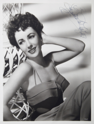 ELIZABETH TAYLOR SIGNED BLACK AND WHITE PHOTOGRAPH