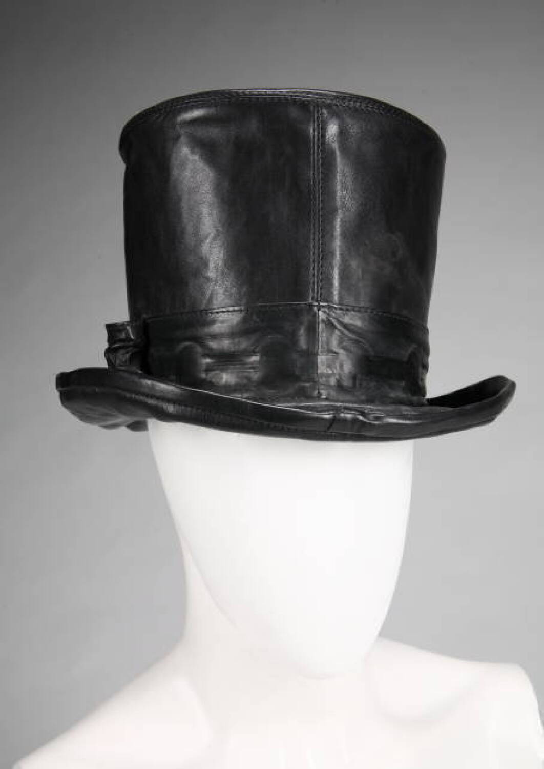 1707e3b3b2a SLASH STAGE WORN CHROME HEARTS LEATHER TOP HAT - Current price   3000