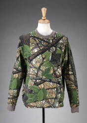 LARRY HAGMAN GROUP OF GREEN CAMOUFLAGE SPORTING CLOTHING