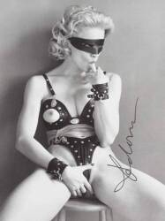 MADONNA SIGNED PHOTOGRAPH