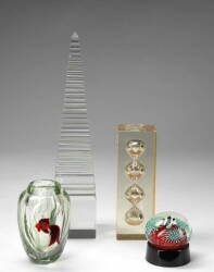 TWO ORIENT & FLUME GLASS ITEMS AND OTHER TABLETOP SCULPTURES