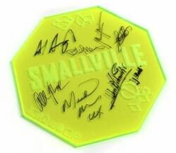 SMALLVILLE AUTOGRAPHED OVERSIZED KRYPTONITE SPACES