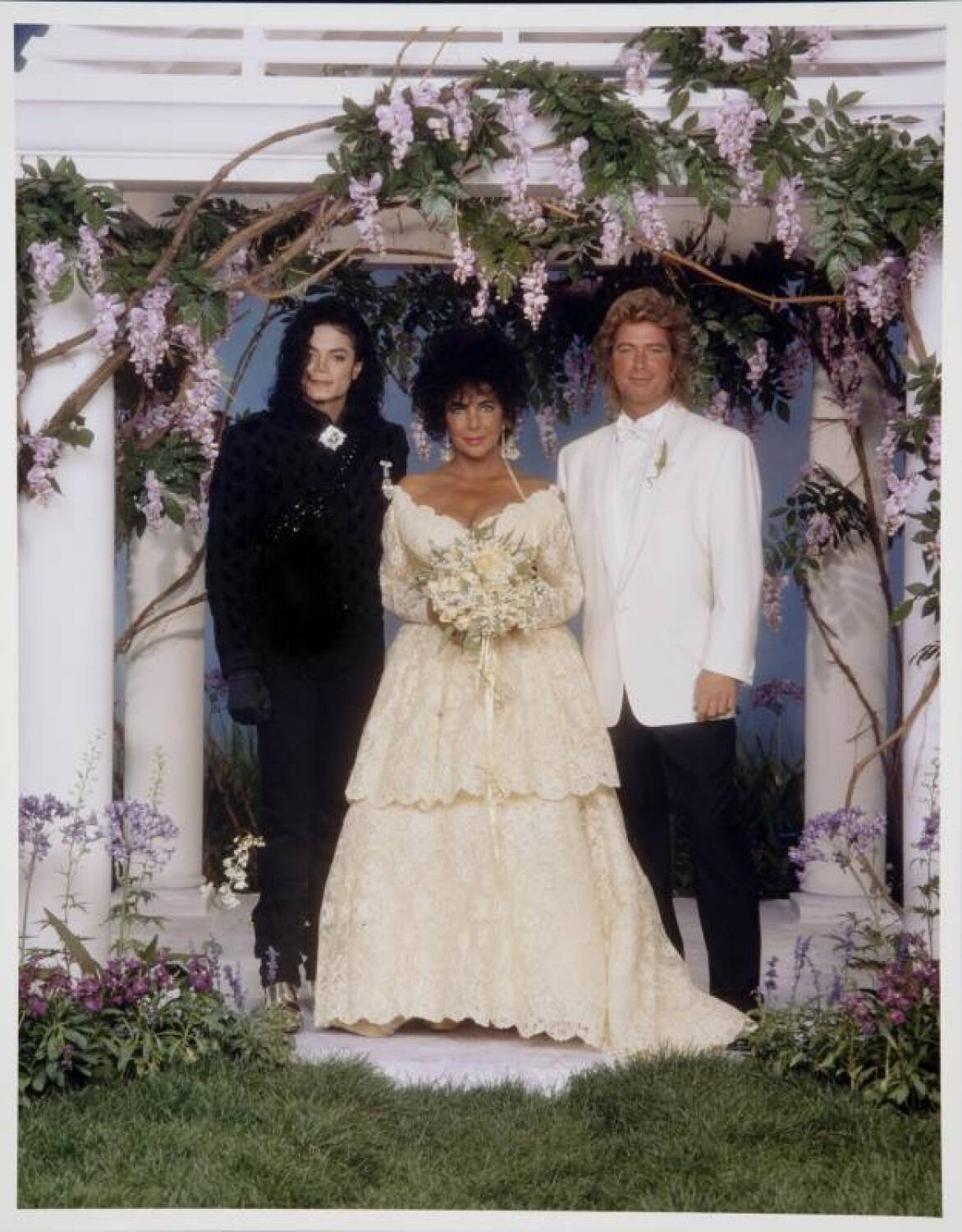 the 8 wedding dresses amp 7 grooms of elizabeth taylor