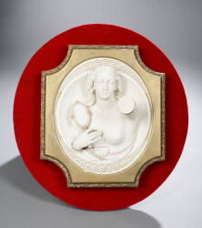 GILDED OVAL PLAQUE WITH MARBLE FIGURE