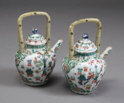 PAIR OF ANTIQUE FAMILLE VERTE CHINESE PORCELAIN