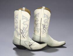 DWIGHT YOAKAM SIGNED COWBOY BOOTS AND PHOTOGRAPH